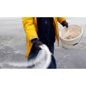 Útszóró só, jégmentesítő
